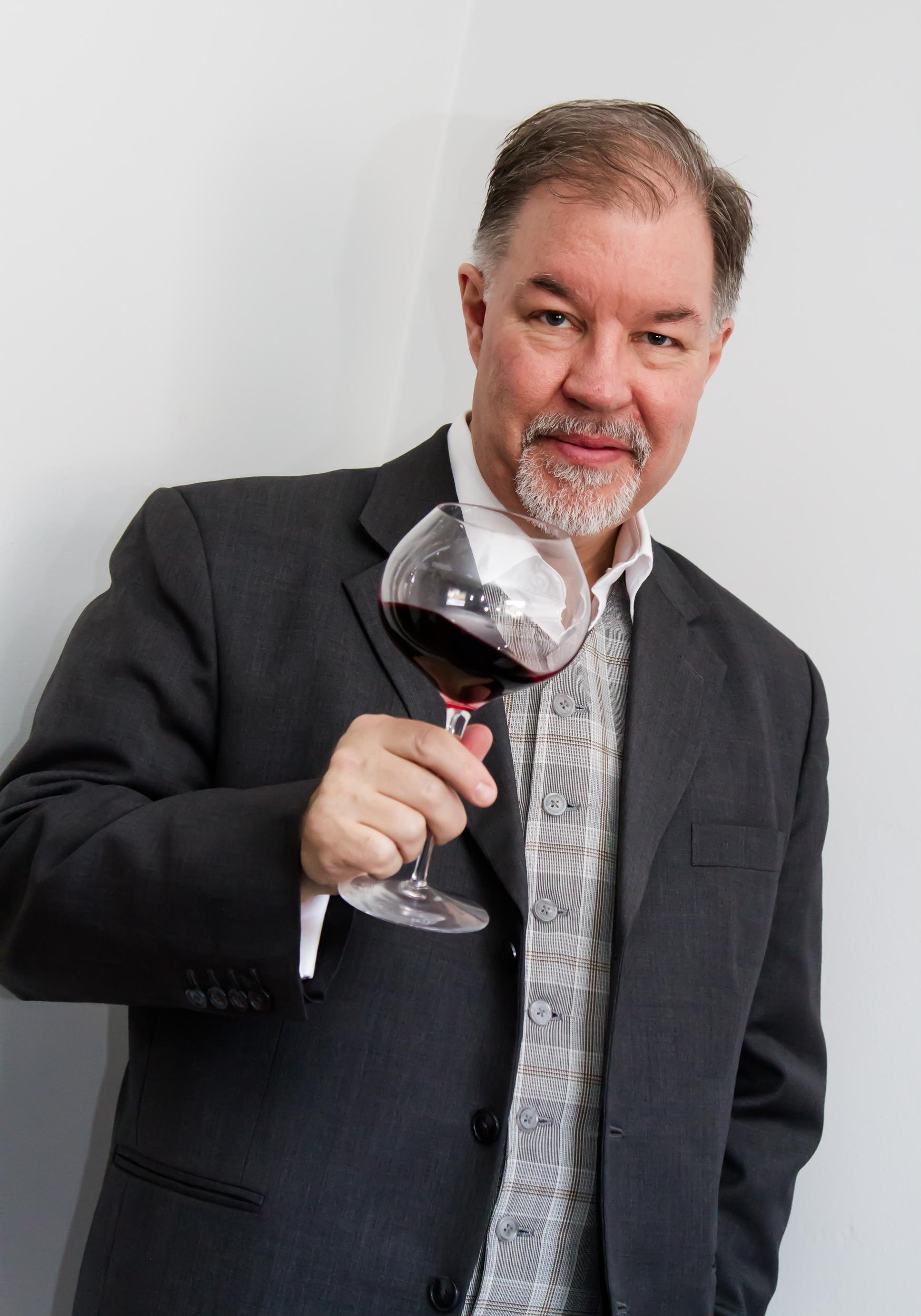 Johan snurrandes ett glas rött vin