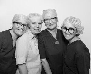 Gruppbild på tandläkarpersonal